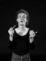 Portrait exclusif - Pierre Verville, 1983<br />  (date inconnue)<br /> <br /> PHOTO : Denis Alix<br /> <br />  - Agence Quebec Presse