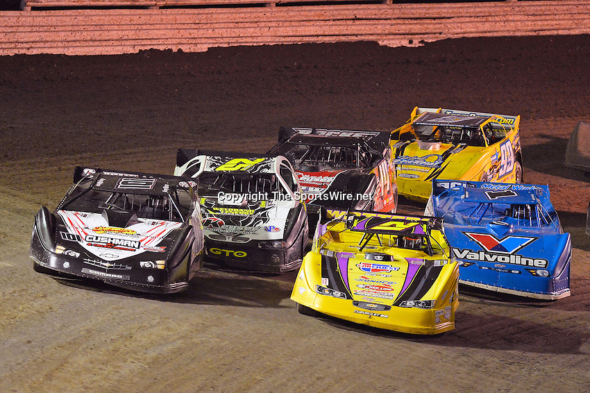 Feb 20, 2014; 7:29:51 PM;  Barberville, FL, USA;  World of Outlaws Late Model Series for 43rd Annual DIRTcar Nationals presented by Summit Racing Equipment at Volusia Speedway Park.  Mandatory Credit: (thesportswire.net)