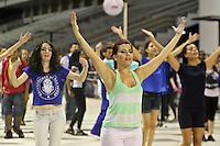 SÃO PAULO,SP,10 JANEIRO 2013 - ENSAIO CARNAVAL - Integrantes da    Escola de Samba Unidos de Vila Maria  durante ensaio tecnico realizado na noite de ontem (10) no Sambodromo do Anhembi .FOTO ALE VIANNA - BRAZIL PHOTO PRESS.