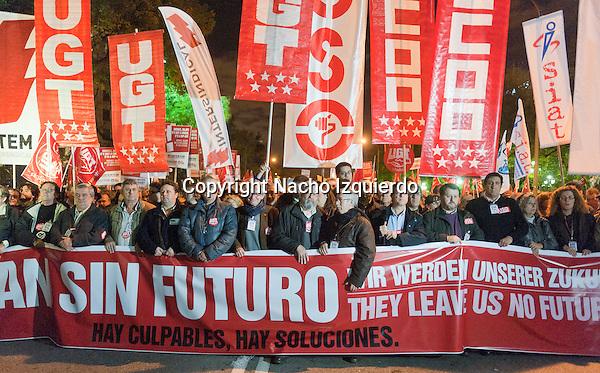 Difícilmente, el Gobierno podrá olvidar la huelga general y las multitudinarias manifestaciones del 14 de noviembre, en las que millones de trabajadores y trabajadoras, y ciudadanos, volvieron a dar una masiva y ejemplar lección de responsabilidad en defensa de los derechos laborales y sociales, y para exigir al Gobierno del PP que dé un giro a su política suicida y de recortes, que no tiene precedentes en la historia de nuestra democracia.