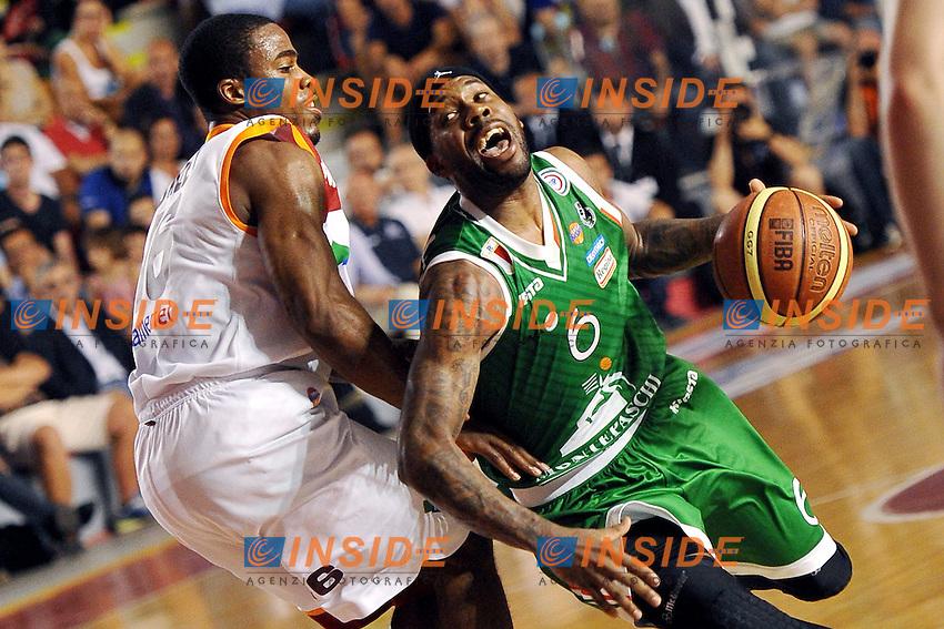 Bobby Brown Siena e Bobby Jones Roma<br /> 19/06/2013 Roma, Palatiziano<br /> Play Off Basket, finali gara 5.<br /> Acea Virtus Roma vs Montepaschi Siena<br /> Foto Antonietta Baldassarre / Insidefoto