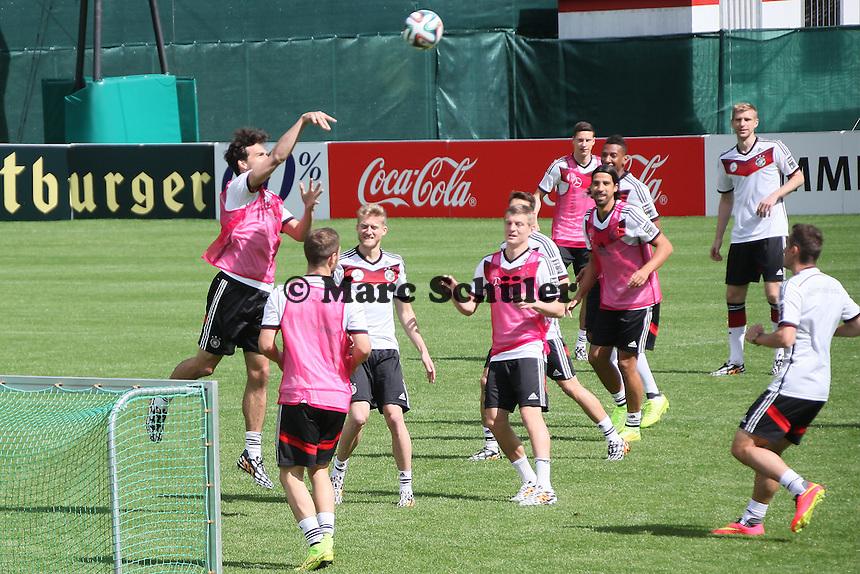 Spielerisches Aufwärmtraining - Training der Deutschen Nationalmannschaft  zur WM-Vorbereitung in St. Martin