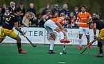 BLOEMENDAAL - Florian Fuchs (Bldaal) met links Sebastian van der Graaf (Den Bosch)    tijdens de hoofdklasse competitiewedstrijd hockey heren,  Bloemendaal-Den Bosch (2-1) COPYRIGHT KOEN SUYK