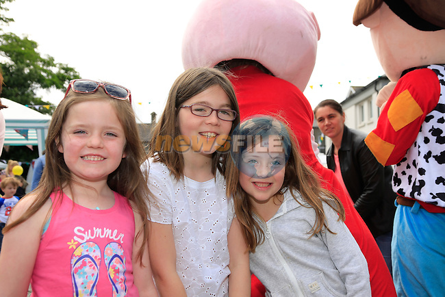 Julian Carr, Alex Egan Taylor, Robyn Murrey at the fair in st peters.<br /> Picture:  Fran Caffrey www.newsfile.ie