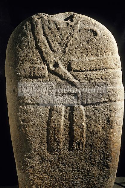 Europe/France/Auvergne/12/Aveyron/Rodez: Le musée Fenaille - Statue menhir Pousthomyl - Age de Bronze