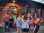 """Krakó∑ 20-07-2019. """"Okrąglak"""" na Placu Nowy w Krakowie - stoisko z zapiekankami.<br /> """"Okrąglak"""" on the New Square in Krakow - a stall with casserole."""