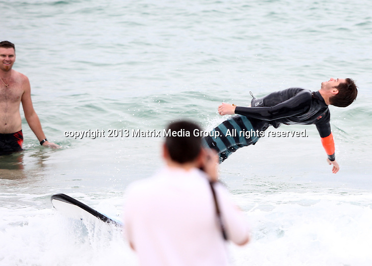 21  MARCH 2014 SYDNEY AUSTRALIA<br /> <br /> NON EXCLUSIVE <br /> <br /> Andrew Garfield pictured at North Bondi Beach lending his time for some surfing with autistic kids.<br /> <br /> *No web/digital use without clearance*<br /> MUST CALL PRIOR TO USE .<br /> +61 2 9211-1088<br /> Matrix Media Group<br /> Note: All editorial images subject to the following: For editorial use only. Additional clearance required for commercial, wireless, internet or promotional use.Images may not be altered or modified. Matrix Media Group makes no representations or warranties regarding names, trademarks or logos appearing in the images.