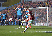 02/05/16 Sky Bet League Championship  Burnley v QPR<br /> David Jones delivers the free kick for Vokes to score