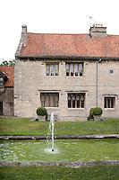 The garden facade of Ellys Manor House