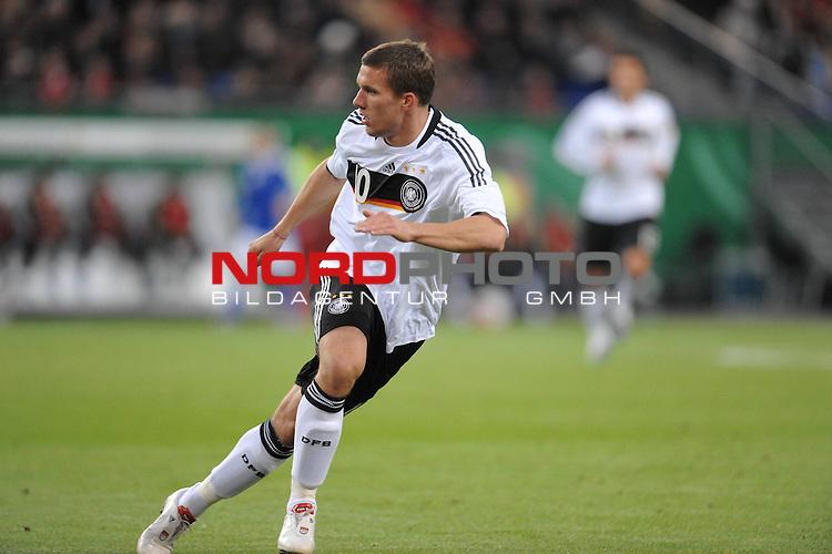 Fussball, L&auml;nderspiel, WM 2010 Qualifikation Gruppe 4  14. Spieltag<br />  Deutschland (GER) vs. Finnland ( FIN ) 1:1 ( 0:1 )<br /> <br /> Lukas Podolski ( GER / Koeln #10 ) <br /> <br /> Foto &copy; nph (  nordphoto  )