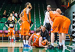 S&ouml;dert&auml;lje 2015-01-17 Basket Basketligan S&ouml;dert&auml;lje Kings - Bor&aring;s Basket :  <br /> Bor&aring;s Henrik Carlsson har skadat och f&aring;r hj&auml;lpa under matchen mellan S&ouml;dert&auml;lje Kings och Bor&aring;s Basket <br /> (Foto: Kenta J&ouml;nsson) Nyckelord:  Basket Basketligan S&ouml;dert&auml;lje Kings SBBK T&auml;ljehallen Bor&aring;s skada skadan ont sm&auml;rta injury pain