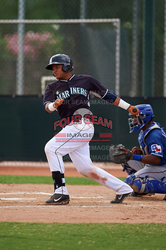 Seattle Mariners Ismerling Mota (32) during an instructional league game against the Texas Rangers on October 5, 2015 at the Surprise Stadium Training Complex in Surprise, Arizona.  (Mike Janes/Four Seam Images)
