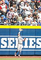 Alex Verdugo (61).<br /> <br /> Acciones del partido de beisbol, Dodgers de Los Angeles contra Padres de San Diego, tercer juego de la Serie en Mexico de las Ligas Mayores del Beisbol, realizado en el estadio de los Sultanes de Monterrey, Mexico el domingo 6 de Mayo 2018.<br /> (Photo: Luis Gutierrez)