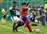 PALMIRA - COLOMBIA, 11-11-2018: Christian Rivera (Izq) del Deportivo Cali disputa el balón con Juan Sebastian Villota (Der) de Deportivo Pasto durante partido por la fecha 19 de la Liga Aguila II 2018 jugado en el estadio Palmaseca de Cali. / Christian Rivera (L) player of Deportivo Cali fights for the ball with Juan Sebastian Villota (R) player of Deportivo Pasto during match for the date 19 of the Aguila League II 2018 played at Palmaseca stadium in Cali. Photo: VizzorImage/ Nelson Rios / Cont