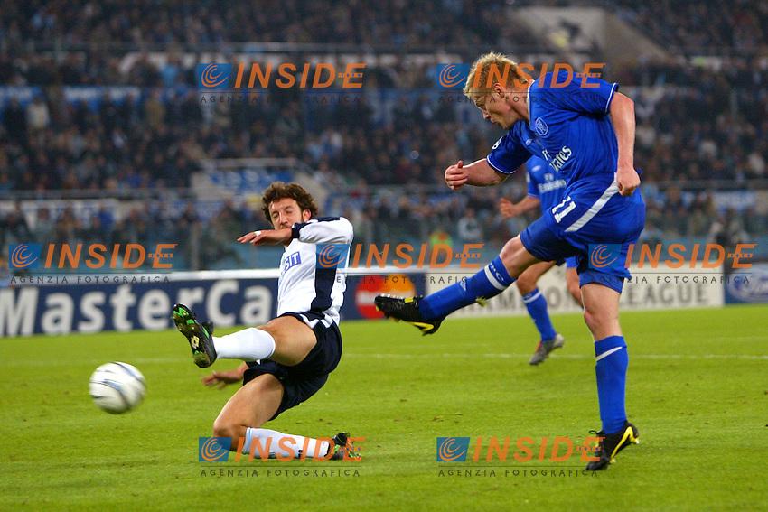 Roma 4/11/2003 Champions League<br /> Lazio Chelsea 0-4 <br /> A shot of Damien Duff (Chelsea) challenged by Paolo Negro (Lazio)<br /> Foto Andrea Staccioli / Insidefoto
