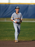 Lakewood Spartans second baseman Vinnie Grybauskas (17) during a game against the Boca Ciega Pirates at Boca Ciega High School on March 2, 2016 in St. Petersburg, Florida.  Boca Ciega defeated Lakewood 2-1.  (Mike Janes/Four Seam Images)