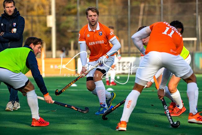 BLOEMENDAAL - Mats de Groot (Bldaal)  tijdens  warming up voor de  hoofdklasse competitiewedstrijd  heren , Bloemendaal-Rotterdam (1-1) .COPYRIGHT KOEN SUYK