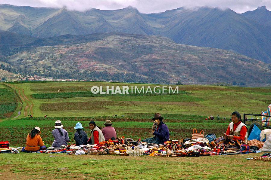 Trabalho de artesanato no Vale Sagrado dos Incas. Cusco. Peru. 2006. Foto de Flávio Bacellar.