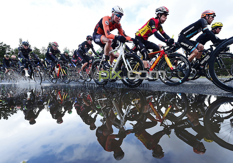 Picture by Alex Broadway/SWpix.com - 16/04/2016 - Cycling - Motorpoint Spring Cup Series - 2016 Tour of the Reservoir - Edmundbyers, England - The peloton in action.