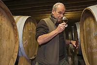 Europe/France/Normandie/Basse-Normandie/14/Calvados/Victot-Pontfol: à la distillerie des Calvados Dupont - Etienne Dupont dans les chais de vieillissement