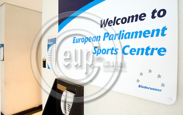 Brussels-Belgium - 03 March 2009 -- Welcome panel at the entrance of the sports / gym centre in the European Parliament -- Photo: Horst Wagner / eup-images