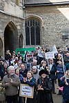 Local MP Evan Harris speaks to a gathered crowd at Abingdon Guildhall.  Around 600 people turned up to march today around the Radley lakes in protest at the  proposed dumping of 500,000 tons of  waste ash from Didcot power station into a wildlife lake. <br />