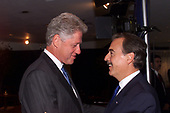 In this photo released by the White House, United States President Bill Clinton Meets with President Andres Pastrana Arango of Colombia at the United Nations in New York, New York on 21 September, 1999.<br /> Mandatory Credit: David Scull / White House via CNP