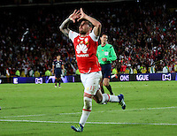 BOGOTÁ -COLOMBIA-14-MAYO-2016.Jonathan Gomez del  Independiente Santa Fe   celebra su gol contra  Fortaleza F.C durante partido por la fecha 18 de Liga Águila I 2016 jugado en el estadio Nemesio Camacho El Campin de Bogotá./ Jonathan Gomez  of Independiente Santa Fe celebrates his goal against of Fotaleza FC  during the match for the date 18 of the Aguila League I 2016 played at Nemesio Camacho El Campin stadium in Bogota. Photo: VizzorImage / Felipe Caicedo / Staff