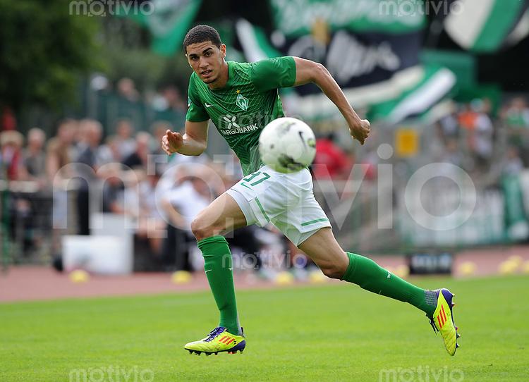 FUSSBALL   3. LIGA   SAISON 2011/2012    6. SPIELTAG SV Werder Bremen II - Preussen Muenster     21.08.2011 Leon Balogun (SV Werder Bremen U 23) Einzelaktion am Ball