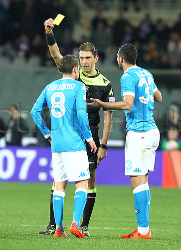 29.02.2016. Stadium Artemio Franchi, Florence, Italy.  Serie A football league. Fiorentina versus Napoli. Yellow card given to Albiol (33)