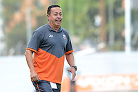 ENVIGADO -COLOMBIA-10-04-2016. Juan Carlos Sanchez técnico de Envigado FC gesticula durante el encuentro con Fortaleza FC por la fecha 12 de la Liga Águila I 2016 realizado en el Polideportivo Sur de la ciudad de Envigado./ Juan Carlos Sanchez coach of Envigado FC gestures during match against Fortaleza FC for the date 12 of the Aguila League I 2016 played at Polideportivo Sur in Envigado city.  Photo: VizzorImage/ León Monsalve /STR
