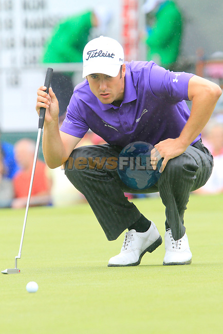 Ross Fisher lines up his putt on the 18th green during Day 2 of the 3 Irish Open at the Killarney Golf & Fishing Club, 30th July 2010..(Picture Eoin Clarke/www.golffile.ie)