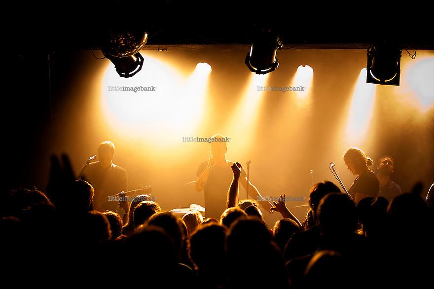 Tønsberg, Norge, 03.11.2012. En kveld med John Olav Nilsen & Gjengen i Tønsberg. John Olav Nilsen & Gjengen er et norsk band fra Loddefjord i Bergen. Bandet spiller en blanding av flere stilarter som pop, rock, soul og punk, som de selv kaller «gatepop». Tekstene til John Olav Nilsen er utelukkende på norsk.