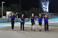 28th November 2019; Yas Marina Circuit, Abu Dhabi, United Arab Emirates; Formula 1 Abu Dhabi Grand Prix, arrivals day; Scuderia Toro Rosso, Daniil Kvyat walks the circuit with his team - Editorial Use
