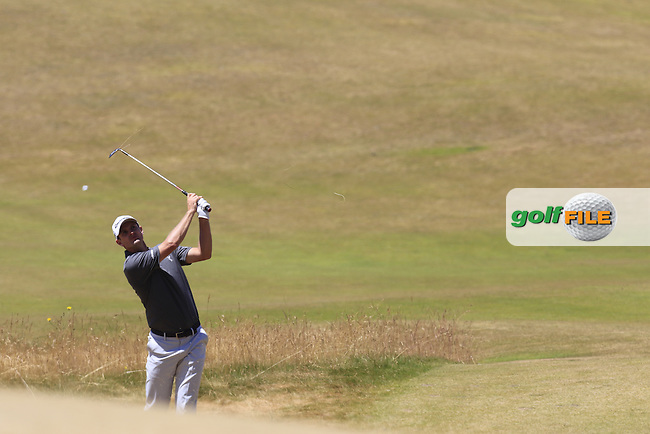 Justin Rose (ENG) chips into the 7th green from the sand during Friday's Round 2 of the 2015 U.S. Open 115th National Championship held at Chambers Bay, Seattle, Washington, USA. 6/19/2015.<br /> Picture: Golffile   Eoin Clarke<br /> <br /> <br /> <br /> <br /> All photo usage must carry mandatory copyright credit (&copy; Golffile   Eoin Clarke)