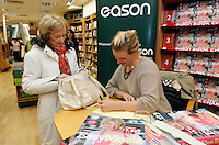"*** NO FEE PIC ***.01/10/2011.Eason Ireland's leading retailer of books stationery, magazines & lots more hosted a book sigining by best selling cookery writer & TV cook Rachel Allen who signed copies of her new book "" Easy Meals"" for fan Christine Ryan from Santry.at Eason O' Connell St, Dublin..Photo: Gareth Chaney Collins"