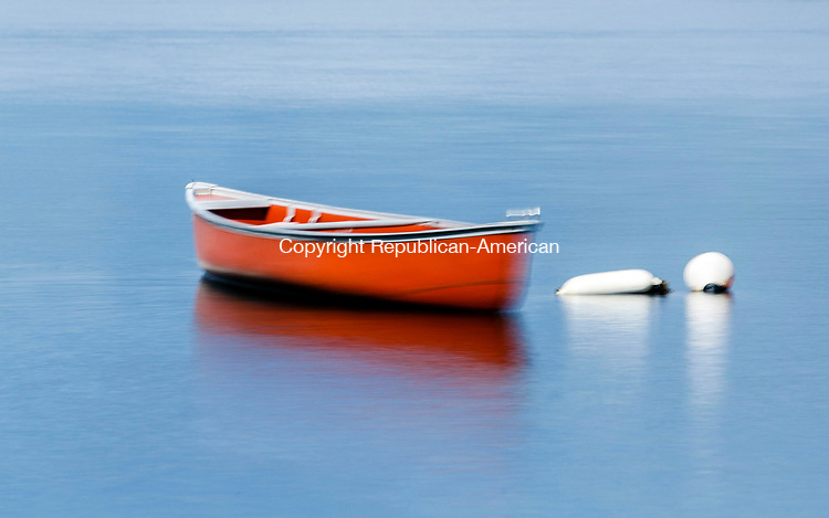 Middlebury, CT- 28 July 2017-072817CM02-   CL Banners A canoe on Lake Quassy in Middlebury.      Christopher Massa Republican-American