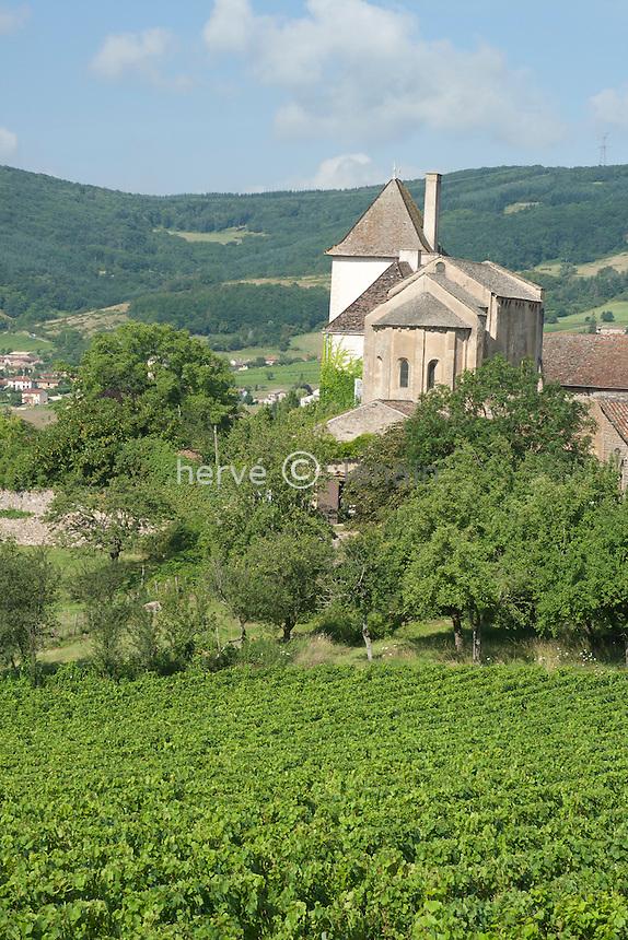 France, Saône-et-Loire (71), Berzé-la-Ville, chapelle des Moines et le vignoble // France, Saône-et-Loire (71), Berzé-la-Ville, Chapel of Moines and vineyard