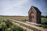 roadside chapel by a gravel road in Lierde<br /> <br /> cycling hotspots & impressions in the Vlaamse Ardennen (Flemish Ardennes) along the 181km Spartacus (Chasing Cancellara) cycling route<br /> <br /> Cycling In Flanders <br /> Flanders Tourist Board<br /> <br /> ©kramon