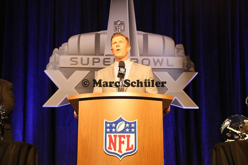 Matt Birk (NFL Director of Football Developement) - Don Shula High School Coach of the Year Award, Super Bowl XLIX, Convention Center Phoenix
