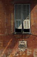 Europe/France/Provence-Alpes-Côtes d'Azur/06/Alpes-Maritimes/Arrière Pays Niçois/Sospel : Détail maison et fenêtre