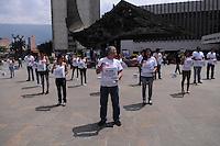 MEDELLIN - COLOMBIA- 06-02-2014: Un grupo de activistas de derechos de los animales AnimaNaturalis, protestaron en contra de las corridas de toros en Medellín. / A group of activists AnimaNaturalis animal rights, protest against bullfighting in Medellin. / Photo: VizzorImage / Luis Rios / Str