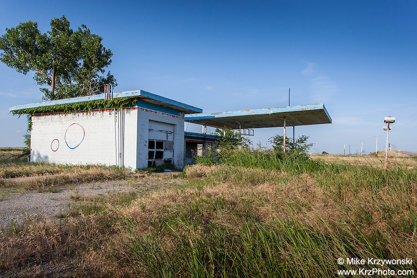 Abandoned gas station in Billings, OK