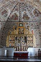 Denmark, Jutland, Møgeltønder: 16th century gilt altar inside Møgeltønder Kirke | Daenemark, Juetland, Møgeltønder: Bronze-Altar der Kirche St. Nikolaus