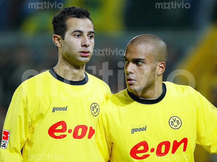 FUSSBALL Bundesliga Saison 2003/2004 Salvatore GAMBINO (li) und David ODONKOR (re) Borussia Dortmund