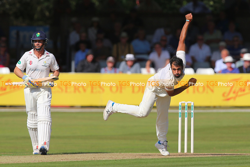 Ravi Bopara in bowling action for Essex during Essex CCC vs Glamorgan CCC, Specsavers County Championship Division 2 Cricket at the Essex County Ground on 12th September 2016