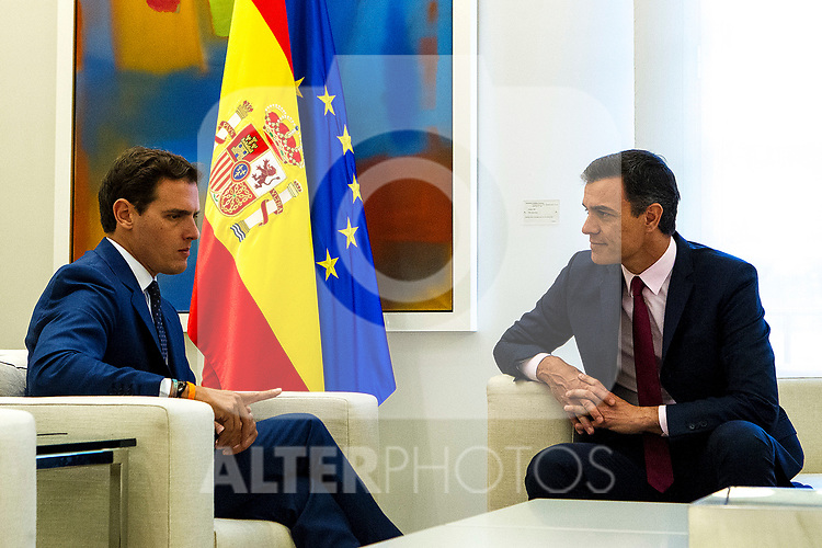 Spain's acting Prime Minister Pedro Sanchez (L) receives leader of Ciudadanos party Albert Rivera (R) at Moncloa Palace on May 07, 2019 in Madrid, Spain. (ALTERPHOTOS/Alconada)