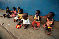 GULU / NORD UGANDA.ORFANOTROFIO ST.JUDE PER L'ASSISTENZA AI PICCOLI RIMASTI SOLI A CAUSA DELLA GUERRA O DELLE MALATTIE.GESTITO DAL COMBONIANO ELIO CROCE..FOTO LIVIO SENIGALLIESI..GULU/ NORTH UGANDA.ST.JUDE ORPHANAGE IN GULU. A LOT OF ORPHANS AND CHILDREN ABANDONED DURING THE WAR ARE PROTECTED AND WELL-FED BY COMBONI FATHER ELIO. .PHOTO LIVIO SENIGALLIESI