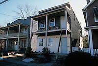 1985 November..Redevelopment.Huntersville 1&2 (R-70)..823 C AVENUE...NEG#.NRHA#..