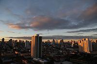 SAO PAULO, SP, 18/05/2012, CLIMA TEMPO.<br /> <br /> Manhã gelada em São Paulo nessa Sexta-feira.<br /> <br /> Luiz Guarnieri/ Brazil Photo Press.